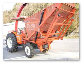 クボタトラクター中古 牧草収穫機 L1-285リバース コーンハーベスタ付き⑦.png